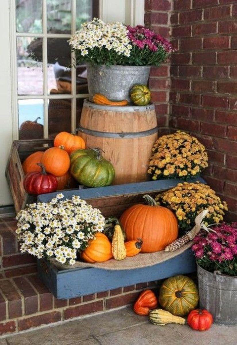 Lovely Outdoor Fall Theme Porch Decor Ideas 08