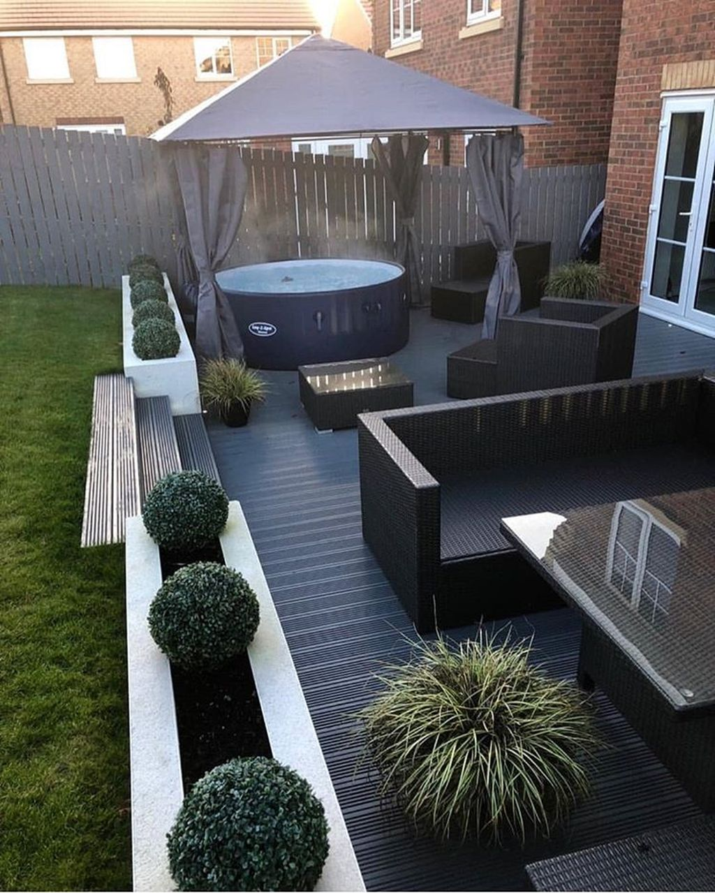 Lovely Small Home Garden Ideas That You Will Want 18