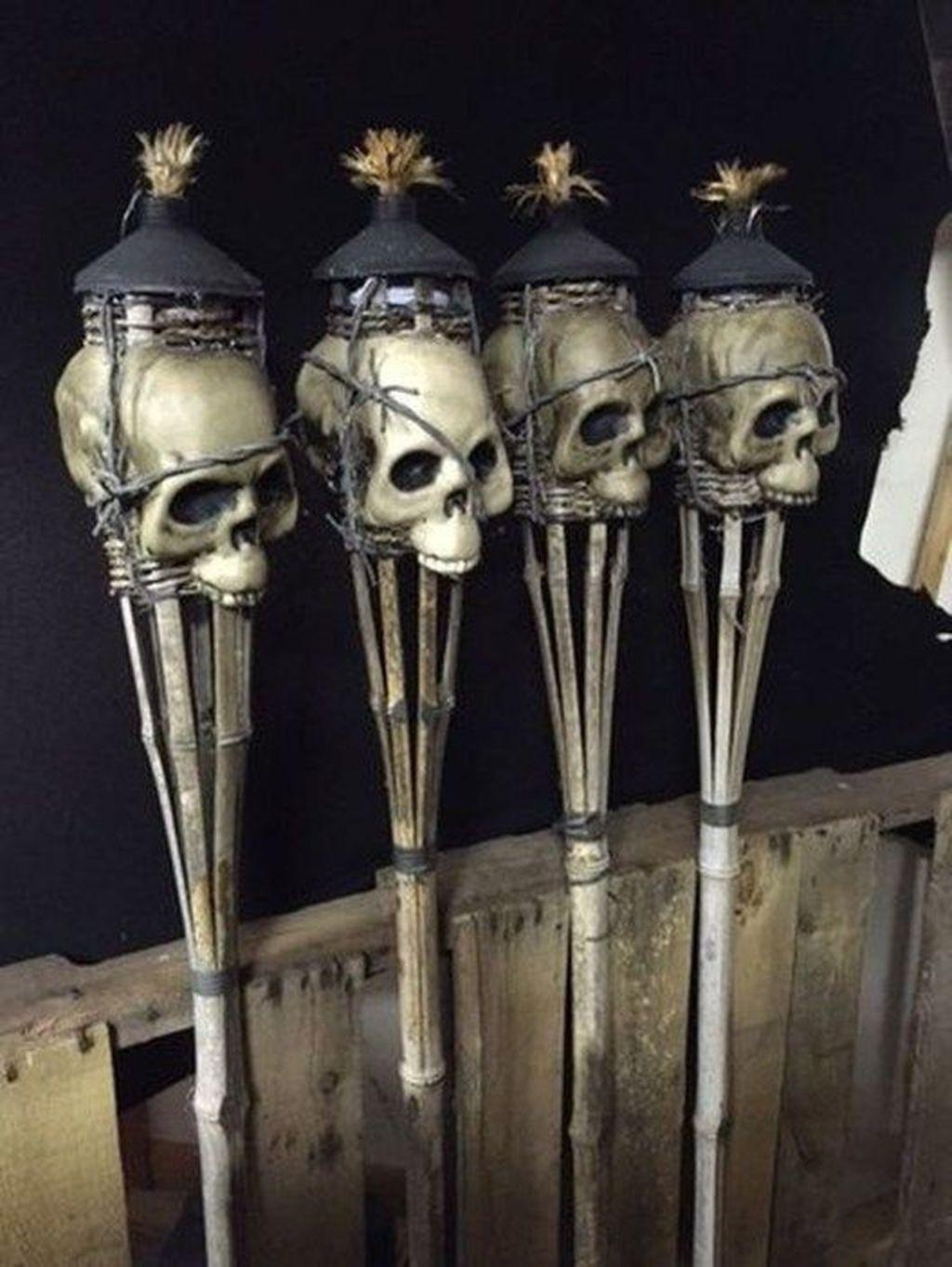 Stunning DIY Halloween Decorations Ideas 11