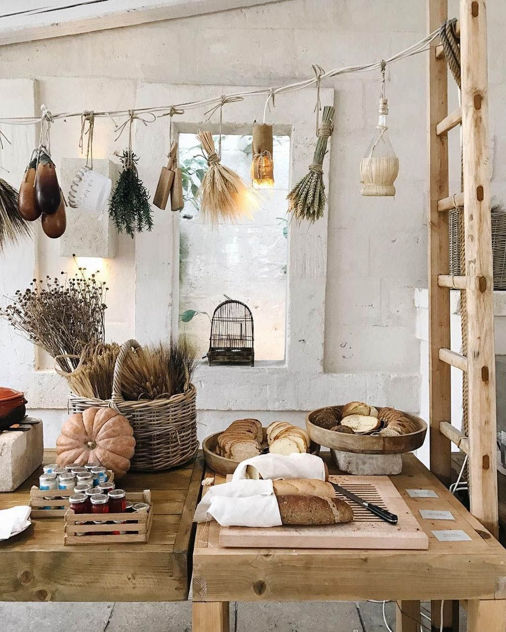 Stunning Rustic Interior Design Ideas That You Will Like 08