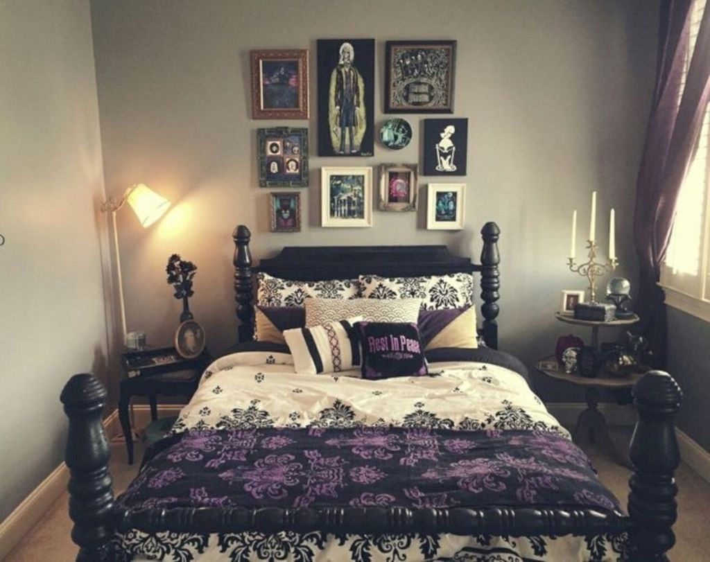 Amazing Bedroom Decoration Ideas With Halloween Theme 25
