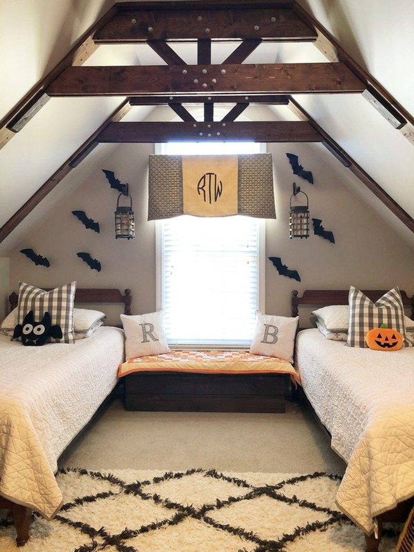 Amazing Bedroom Decoration Ideas With Halloween Theme 28