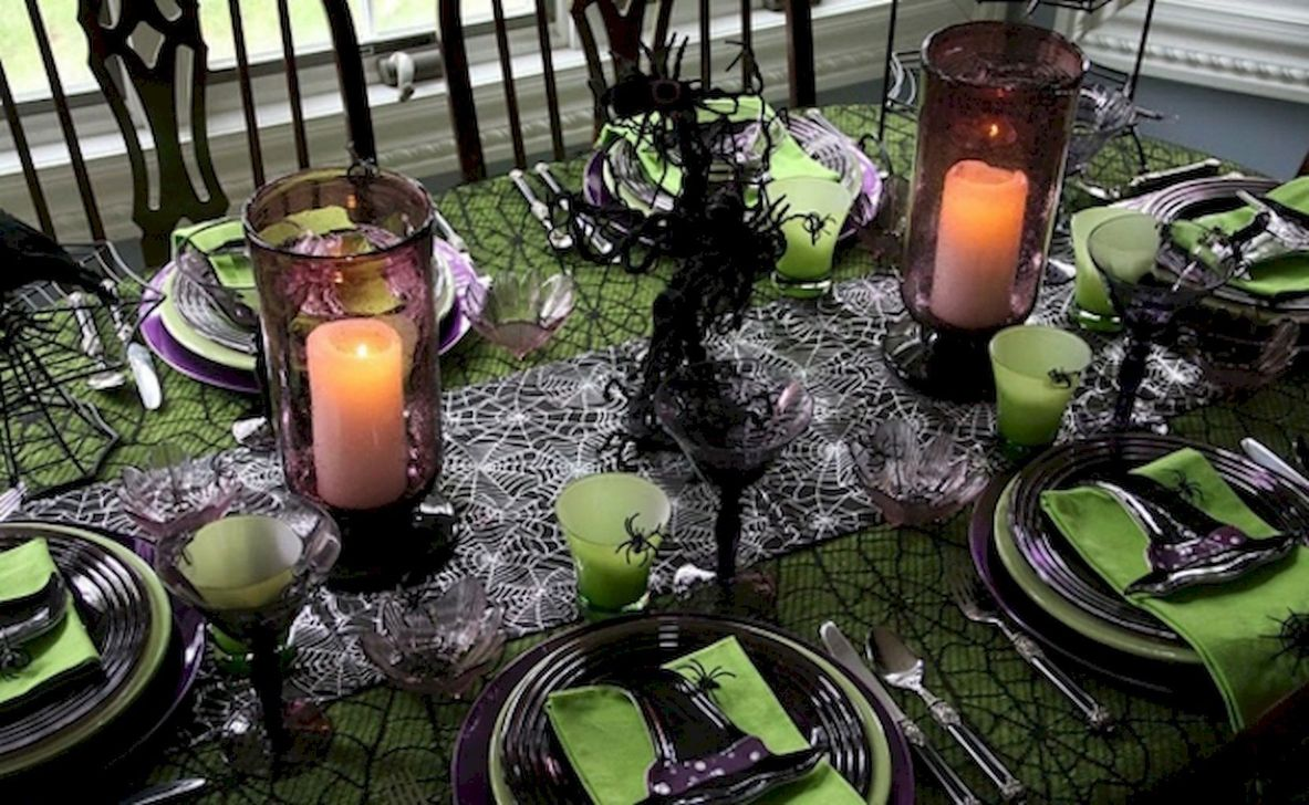 Fabulous Halloween Theme Dining Table Decor Ideas 04
