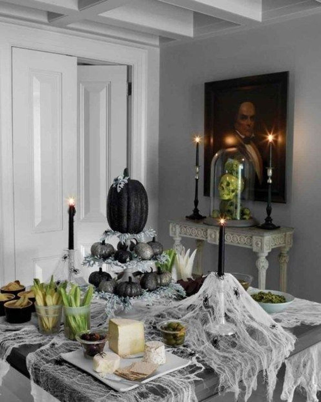 Fabulous Halloween Theme Dining Table Decor Ideas 12