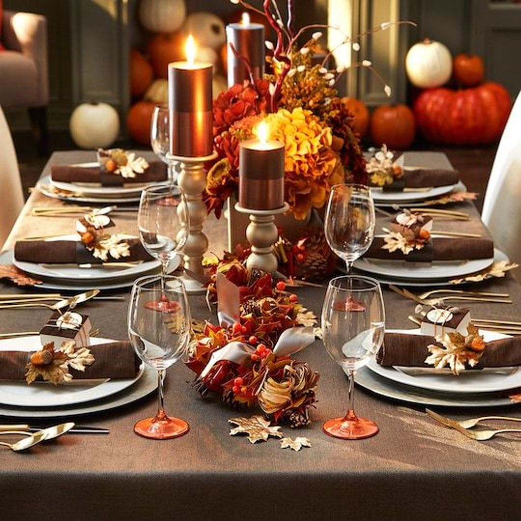 Fabulous Halloween Theme Dining Table Decor Ideas 13