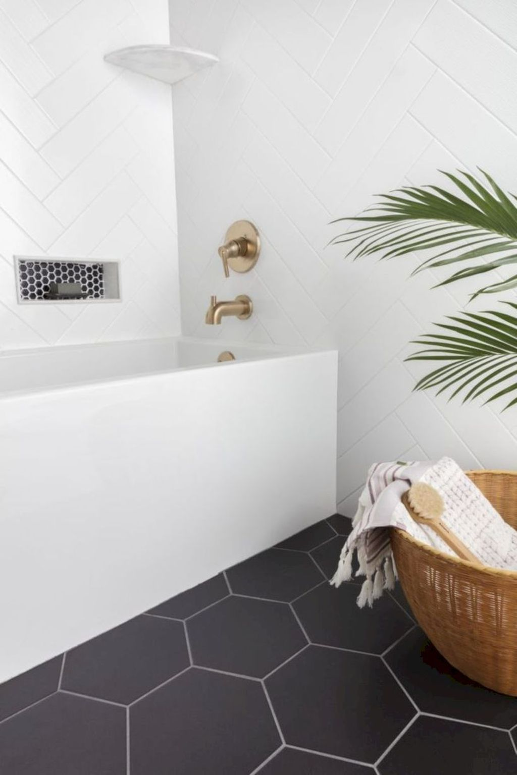 Inspiring Bathroom Tile Ideas 25