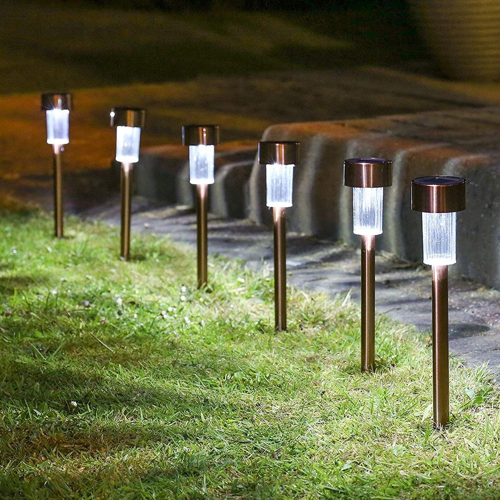 Inspiring Garden Lamps Ideas For Outdoors Decor 07