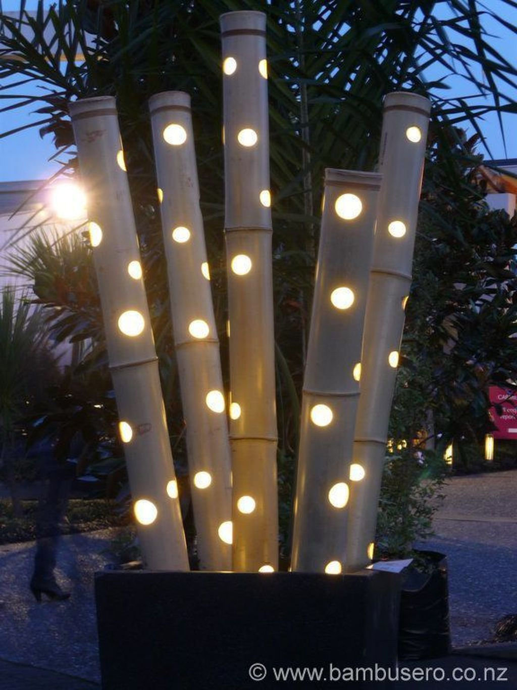 Inspiring Garden Lamps Ideas For Outdoors Decor 23