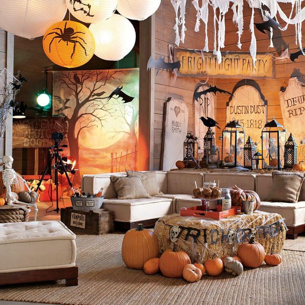 Stunning Halloween Living Room Decor Ideas Looks Scary 05