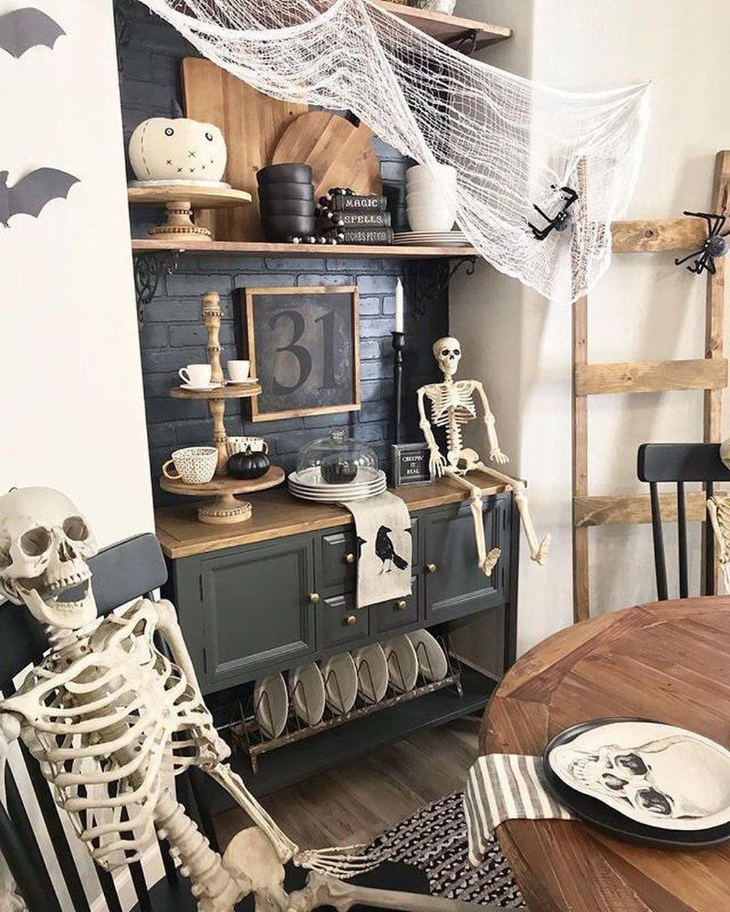 Stunning Halloween Living Room Decor Ideas Looks Scary 15