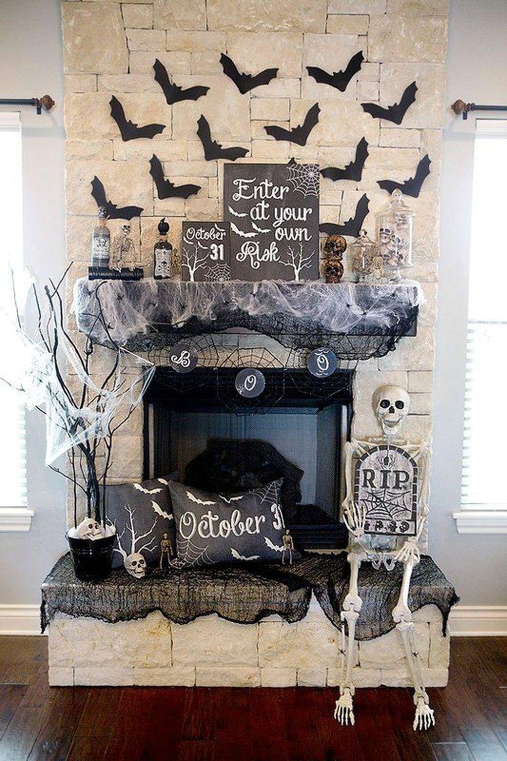 Stunning Halloween Living Room Decor Ideas Looks Scary 22