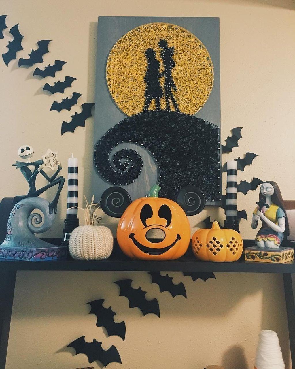 Stunning Halloween Living Room Decor Ideas Looks Scary 31