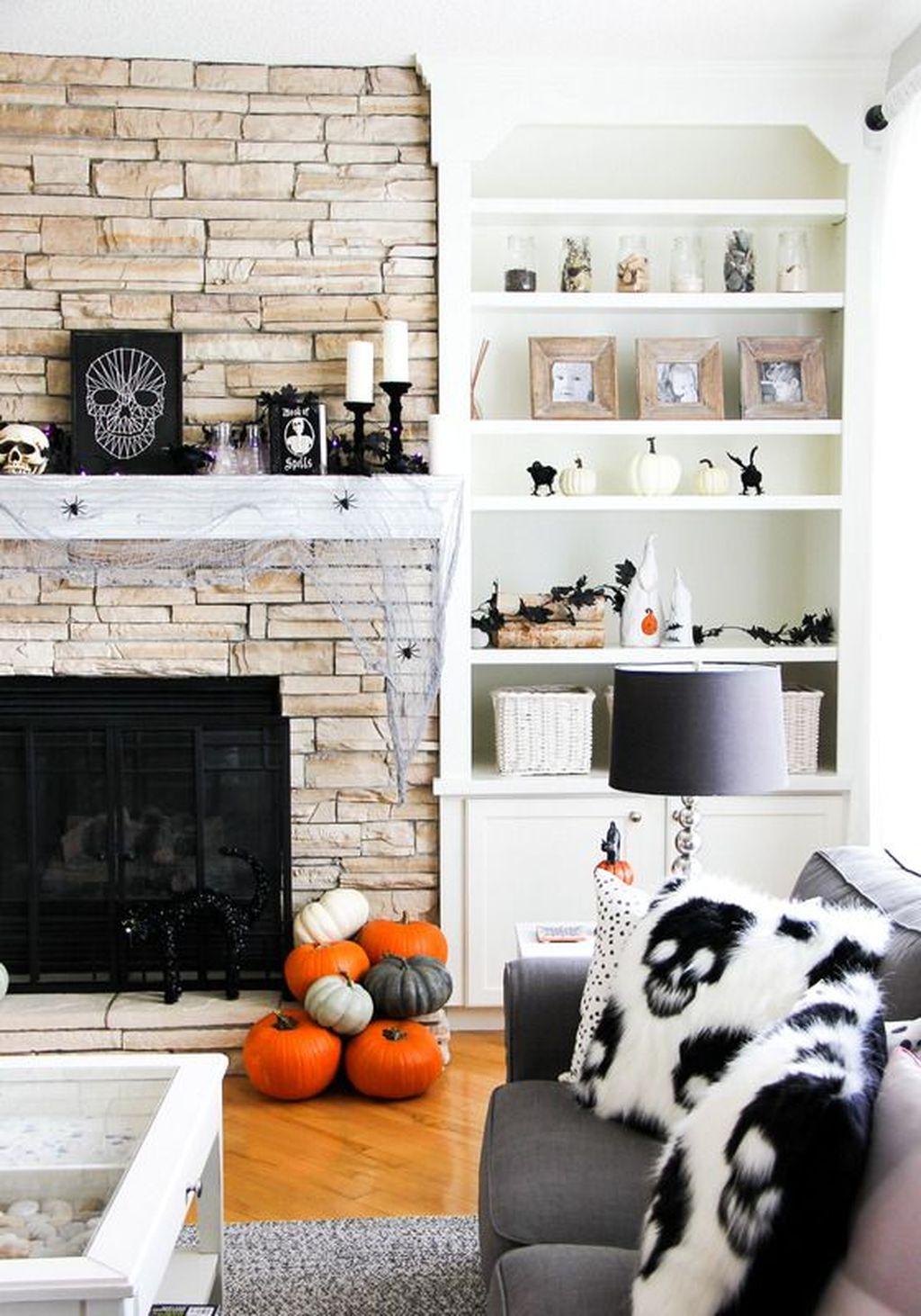 Stunning Halloween Living Room Decor Ideas Looks Scary 32