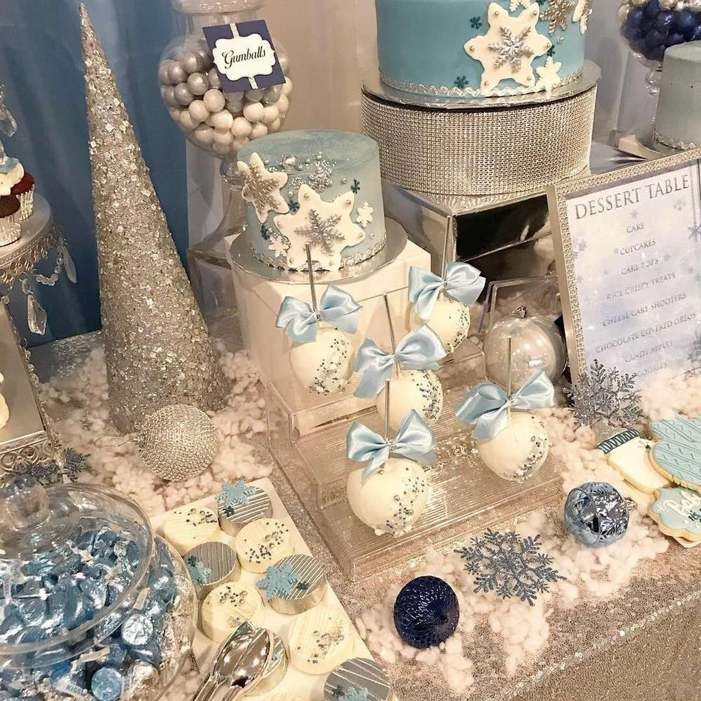 Awesome Winter Wonderland Party Decorations Ideas 21