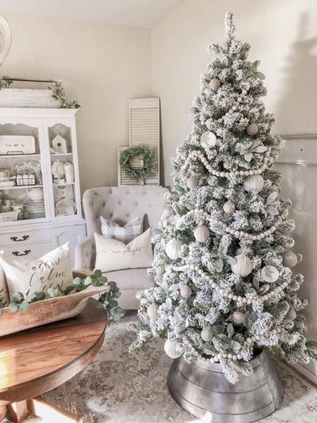 Beautiful Christmas Tree Decorations Ideas 07