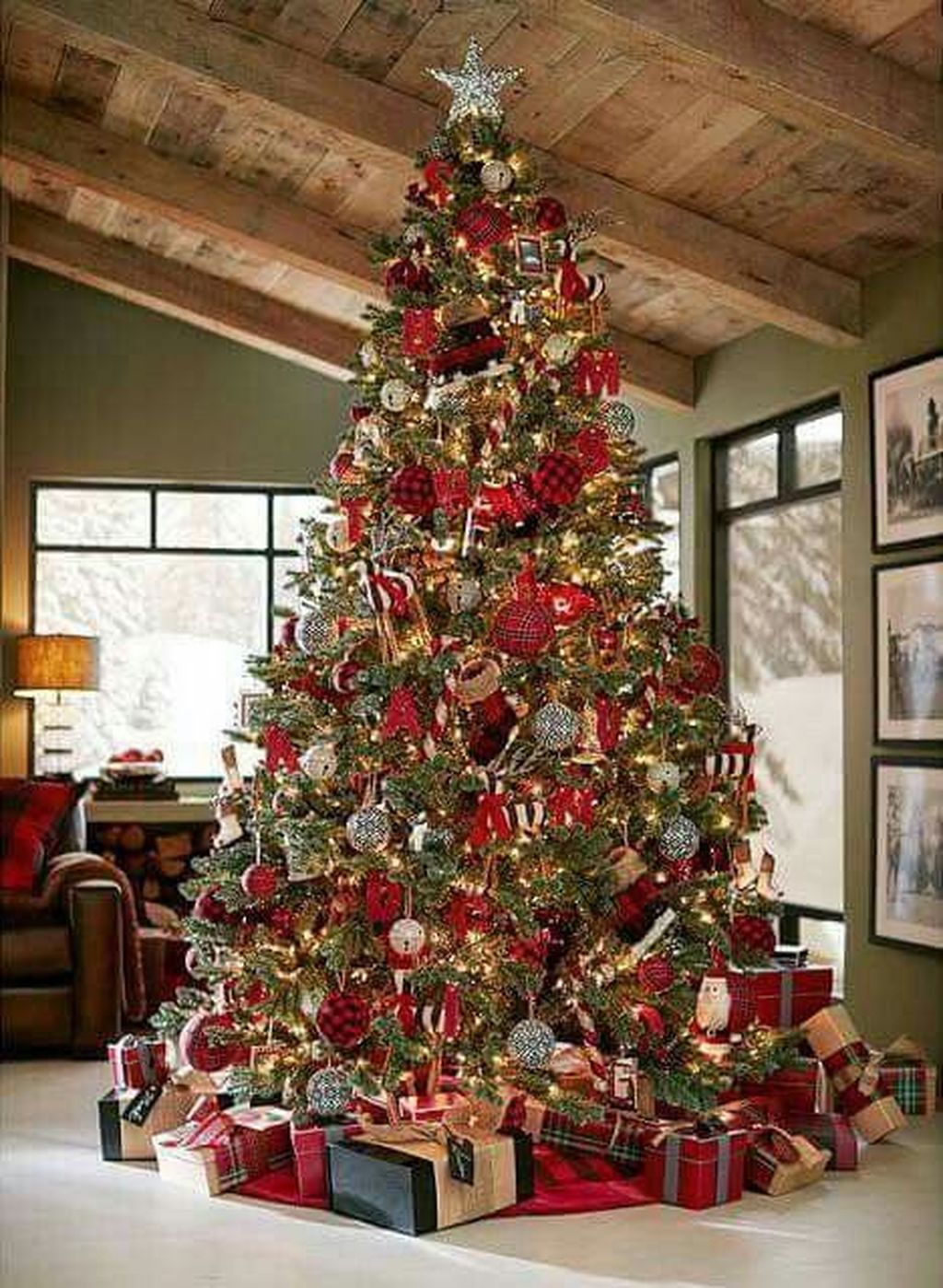 Beautiful Christmas Tree Decorations Ideas 21
