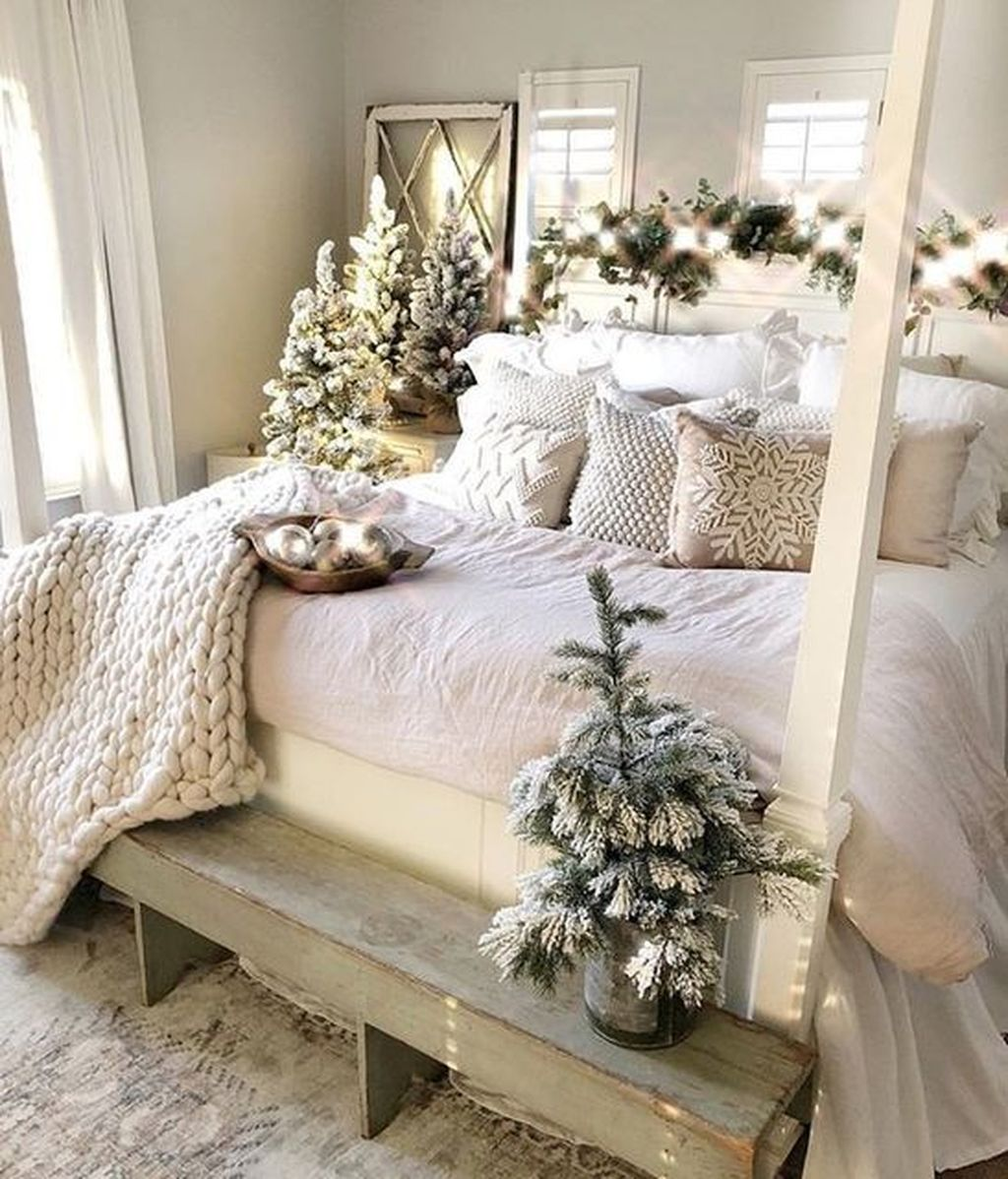 Gorgeous Master Bedroom Decor Ideas For Wintertime 06