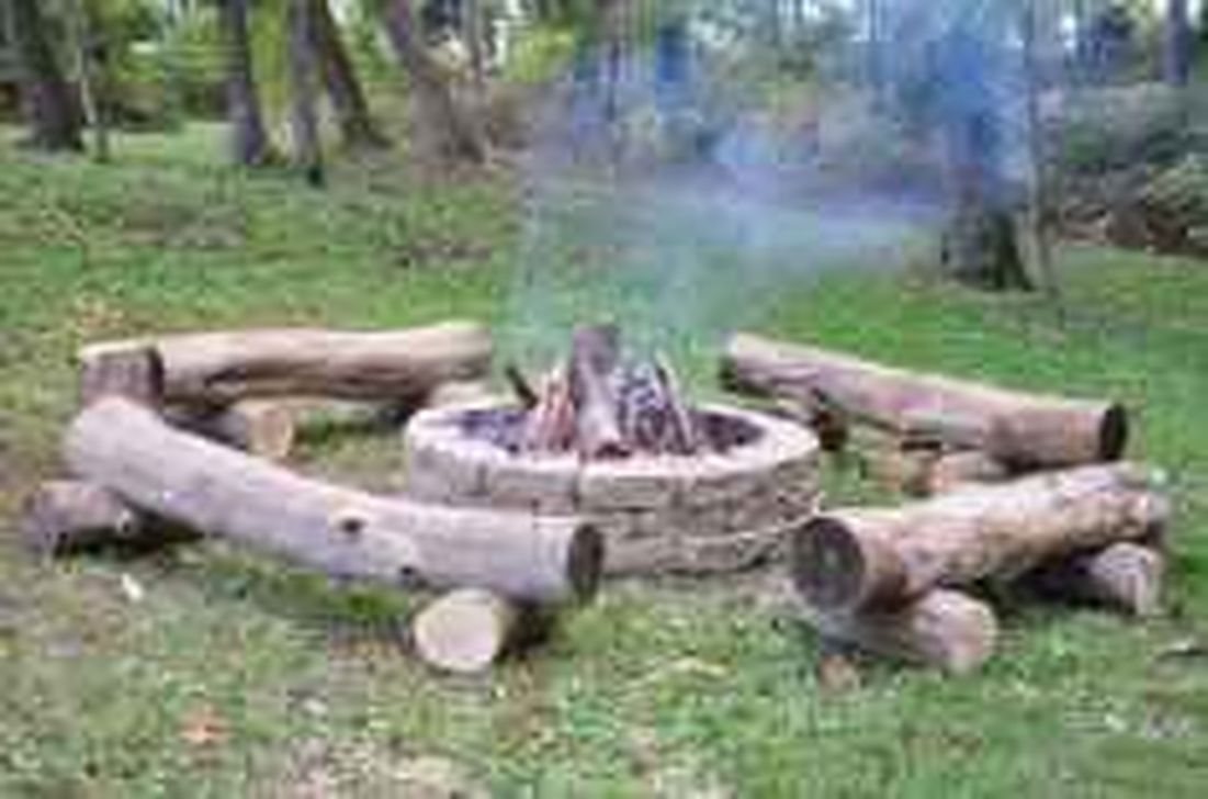 Inspiring Backyard Fire Pit Ideas 02