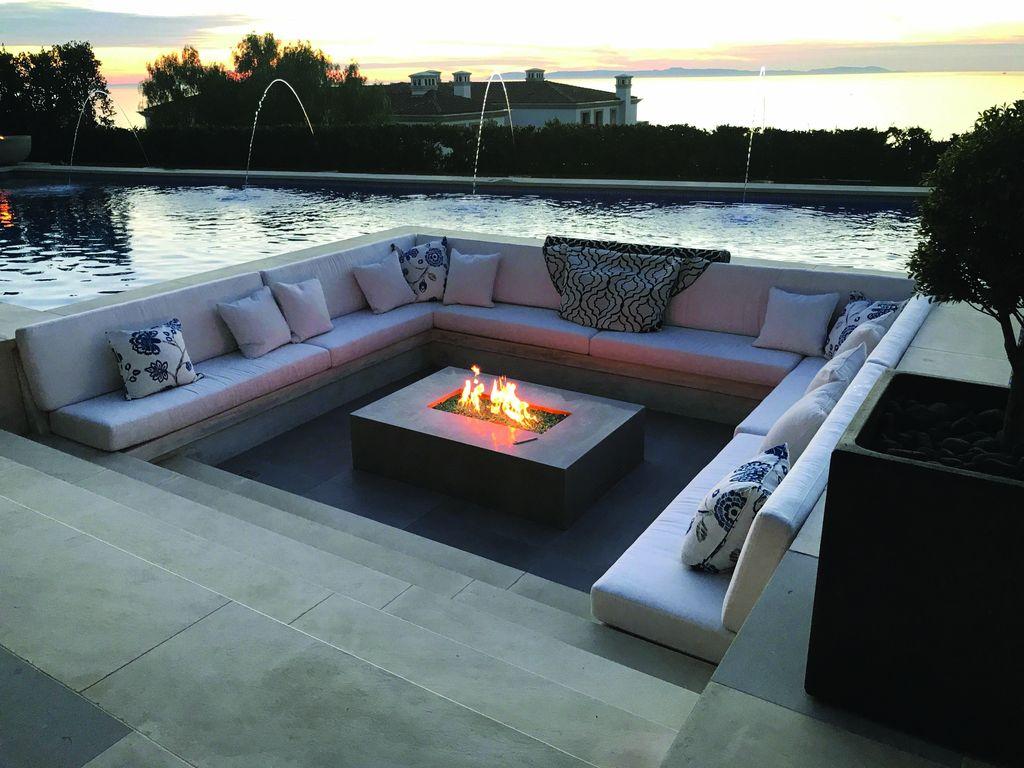 Inspiring Backyard Fire Pit Ideas 04