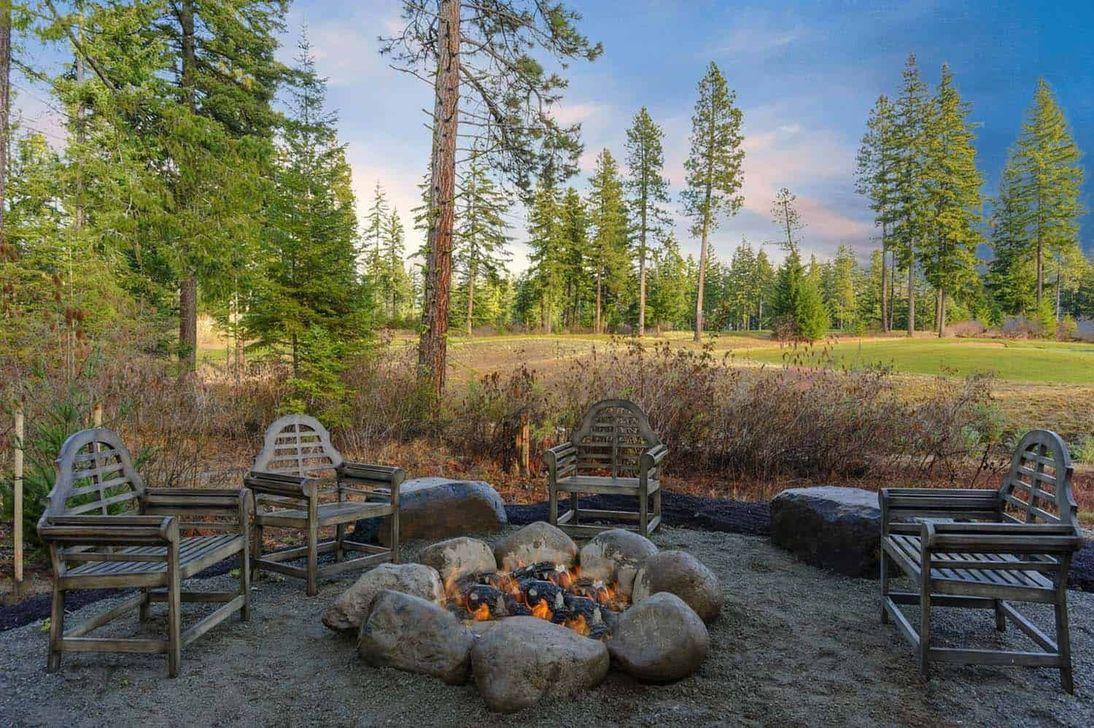 Inspiring Backyard Fire Pit Ideas 09