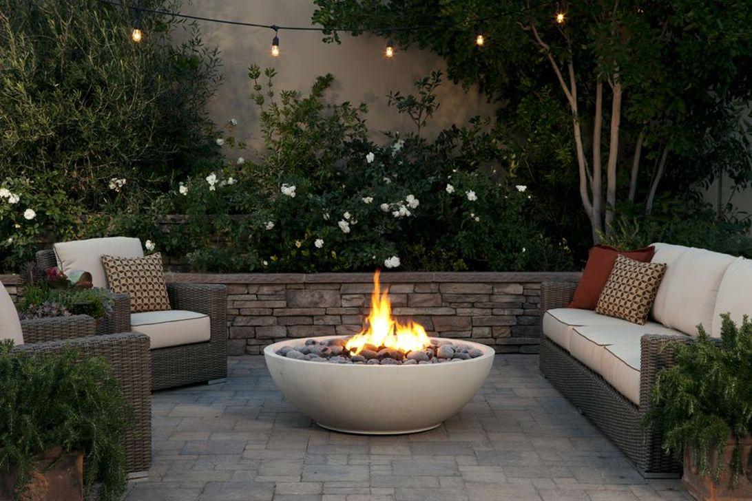 Inspiring Backyard Fire Pit Ideas 10