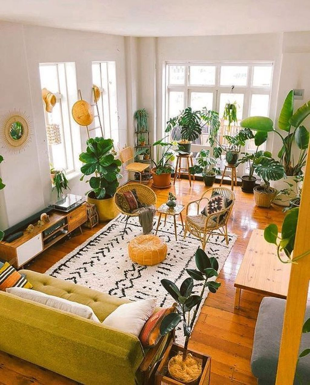 Lovely Bohemian Living Room Decor Ideas 07