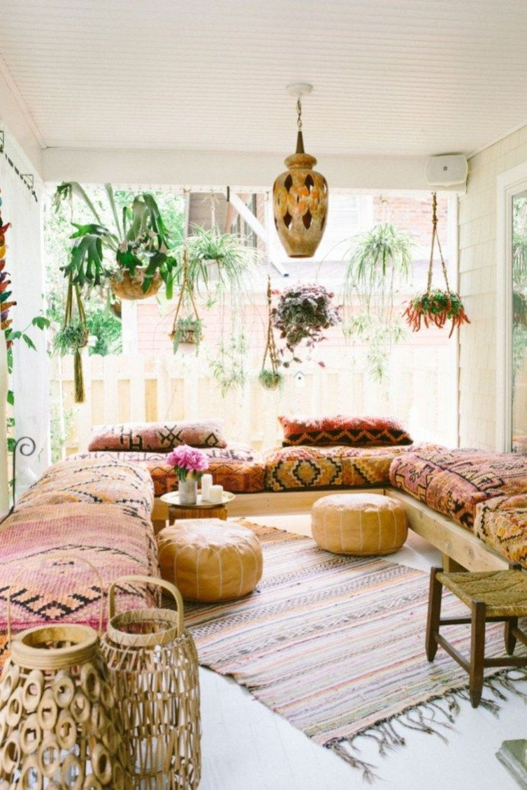Lovely Bohemian Living Room Decor Ideas 17