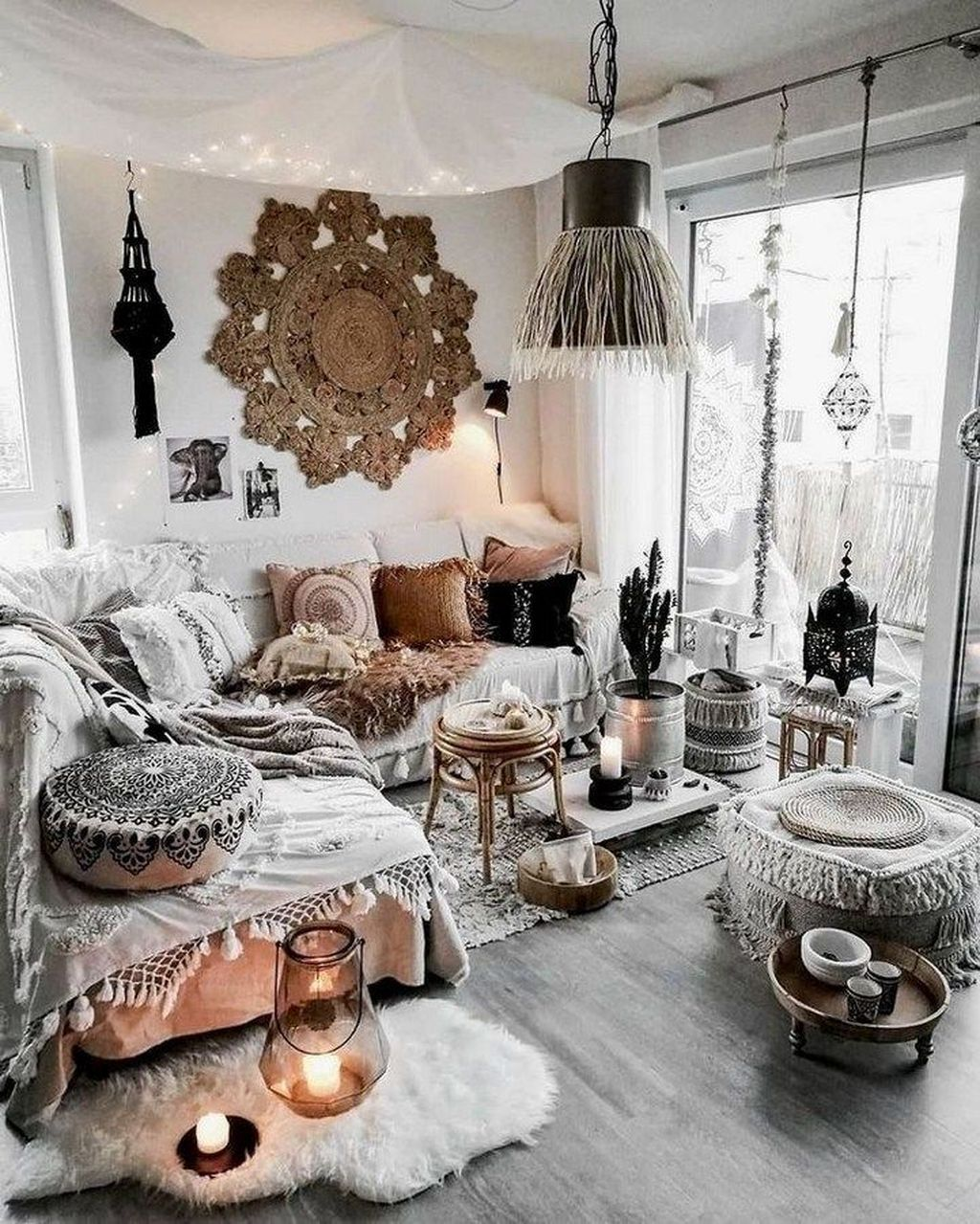 Lovely Bohemian Living Room Decor Ideas 19