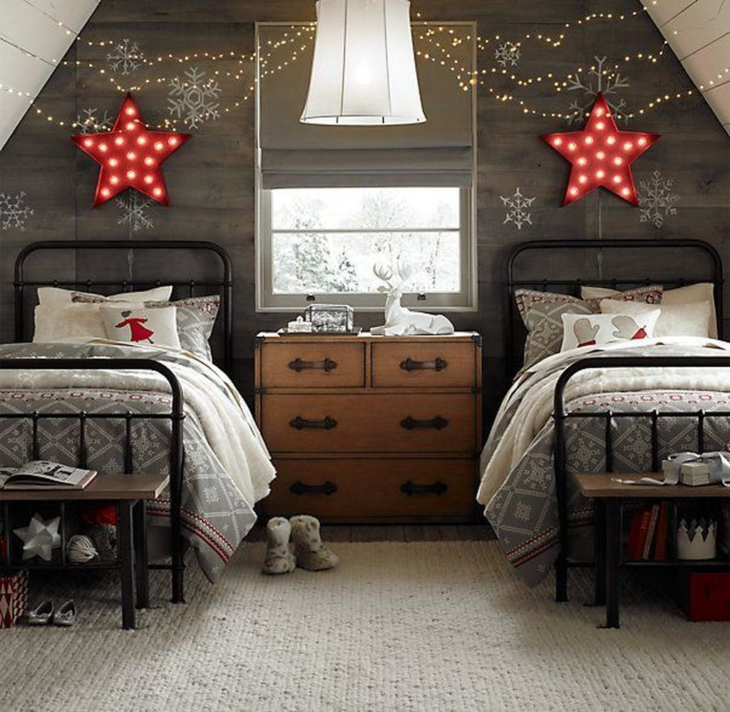 Lovely Christmas Kids Bedroom Decorations 11