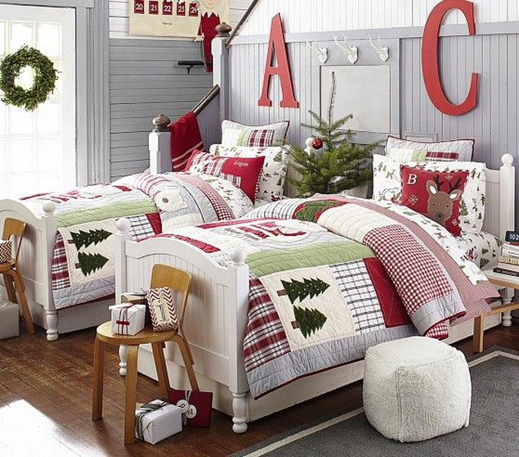 Lovely Christmas Kids Bedroom Decorations 29