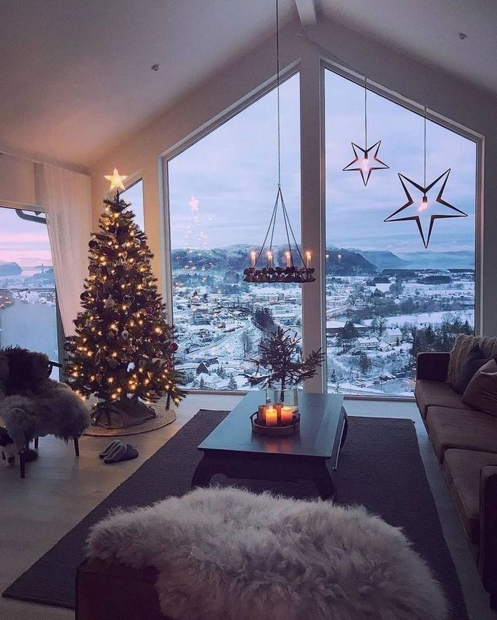 Lovely Christmas Living Room Decor Ideas 16