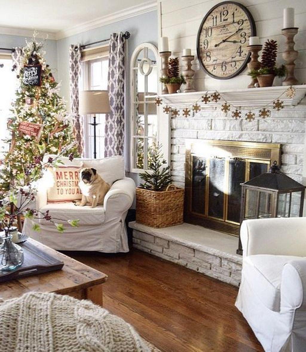 Lovely Christmas Living Room Decor Ideas 23