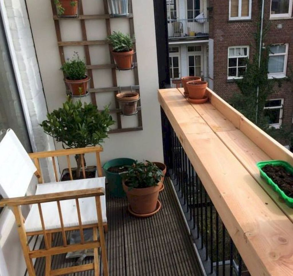 Lovely Small Apartment Balcony Design And Decor Ideas 17