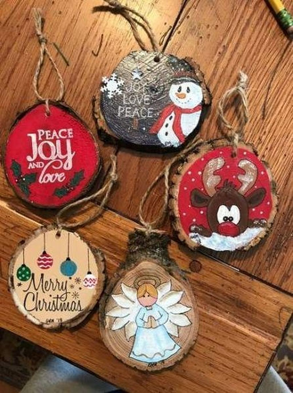 Nice Christmas Rustic Ornaments For Home Decoration 09