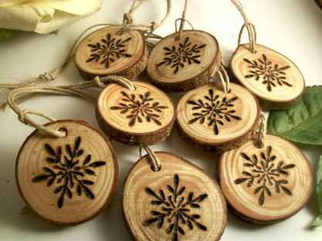 Nice Christmas Rustic Ornaments For Home Decoration 30