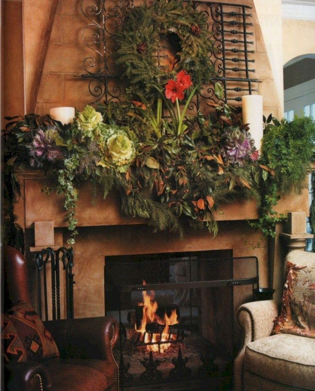 Popular Christmas Fireplace Mantel Decorations That You Like 15