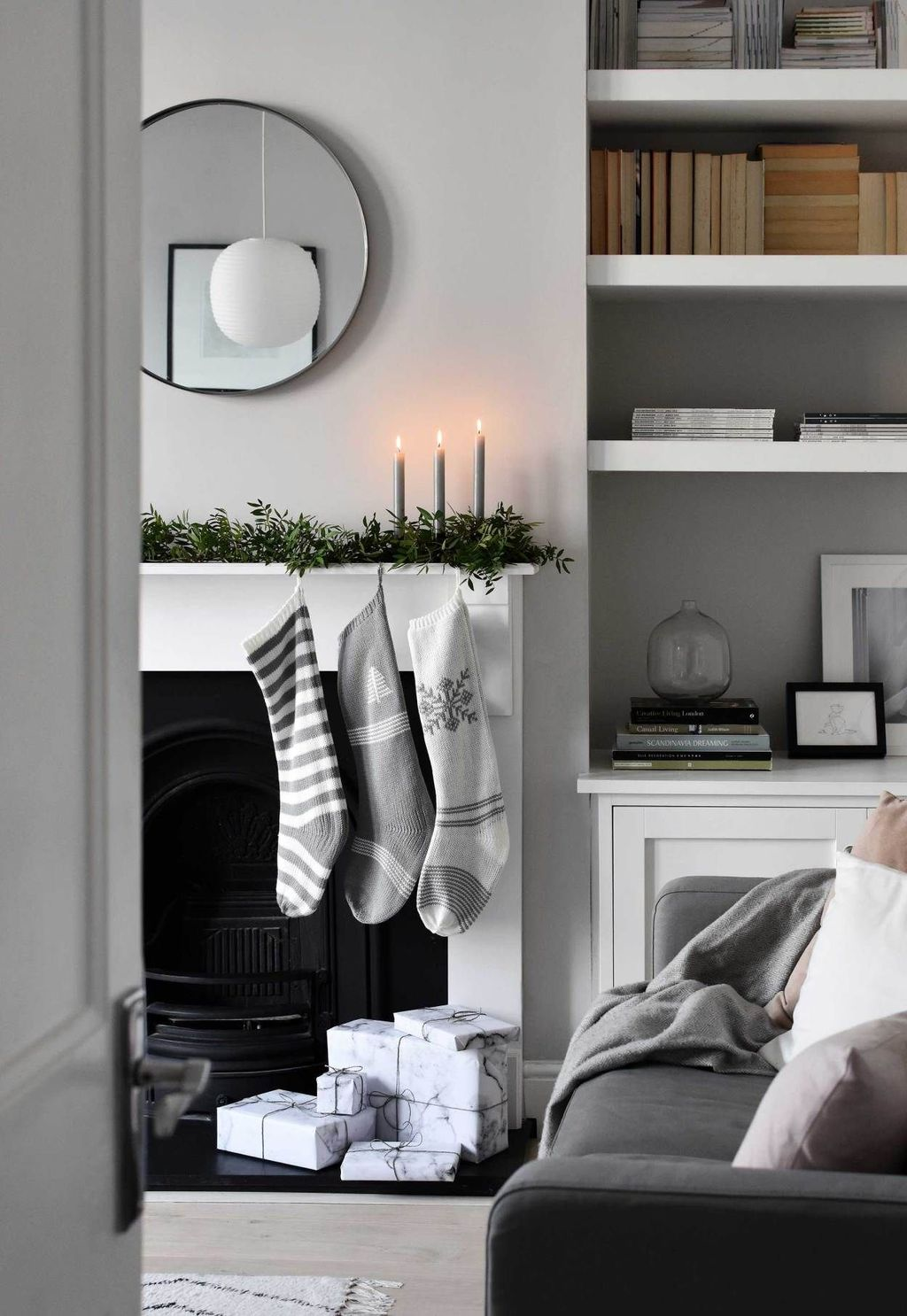 Popular Minimalist Winter Decor Ideas You Should Try 08