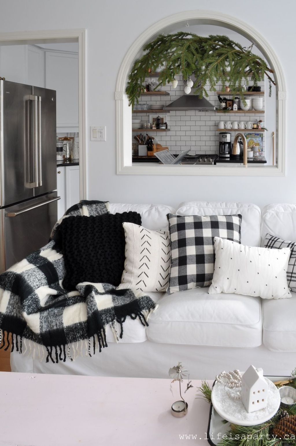 Popular Minimalist Winter Decor Ideas You Should Try 12