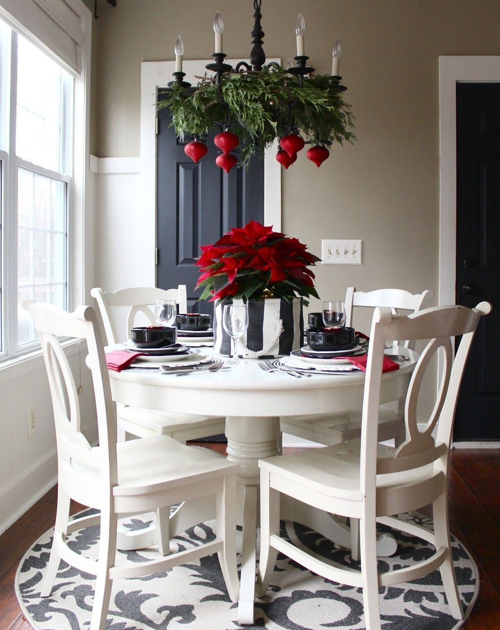 Popular Minimalist Winter Decor Ideas You Should Try 13
