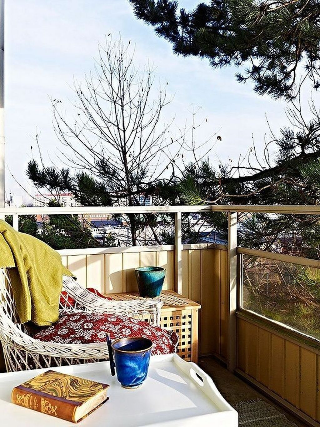 Stunning Apartment Balcony Decor Ideas For This Winter 05