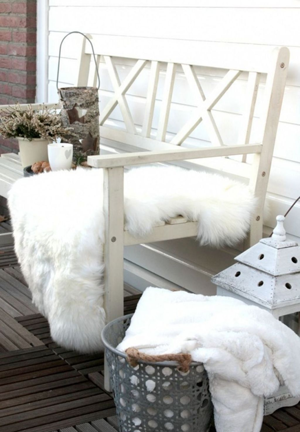 Stunning Apartment Balcony Decor Ideas For This Winter 11