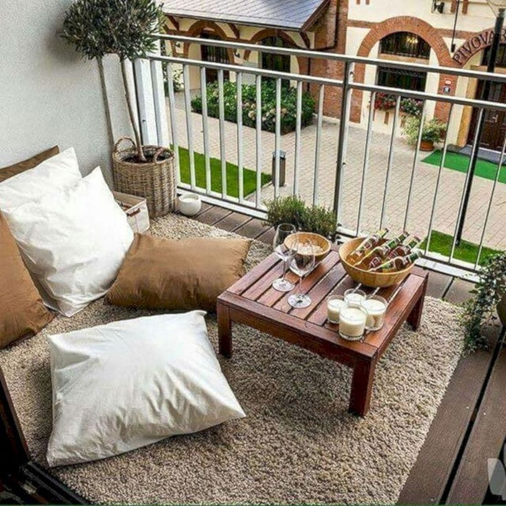 Stunning Apartment Balcony Decor Ideas For This Winter 15