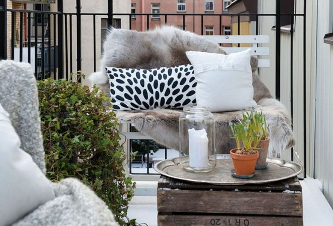 Stunning Apartment Balcony Decor Ideas For This Winter 19