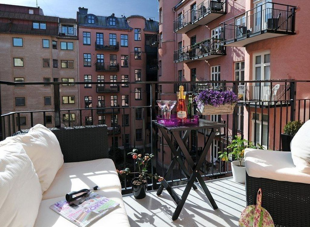 Stunning Apartment Balcony Decor Ideas For This Winter 22