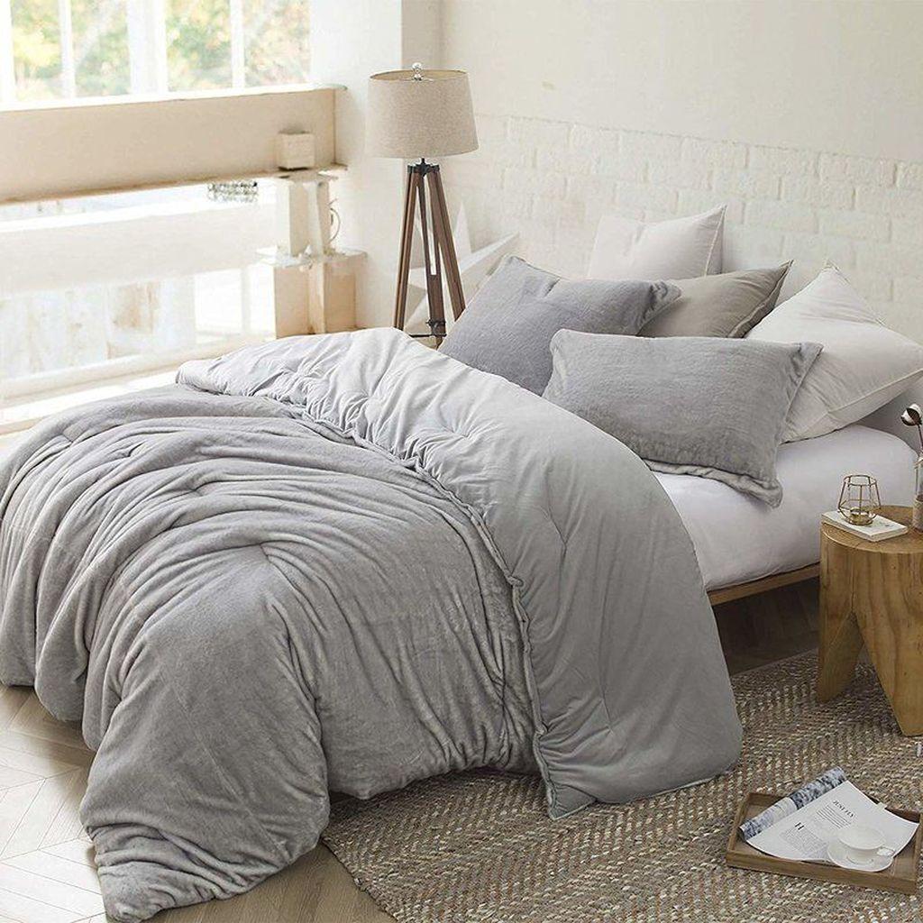 Stunning Bedding Ideas For Cozy Bedroom 25