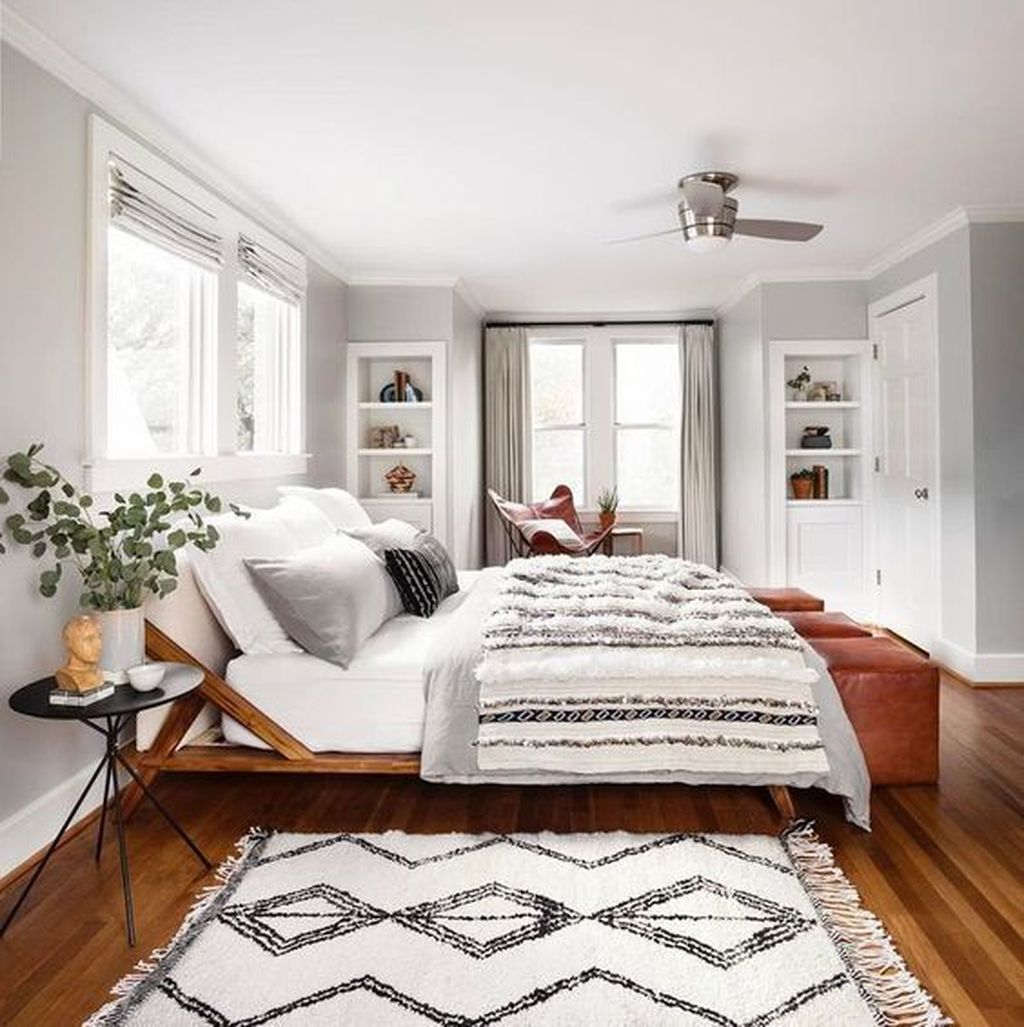 Stunning Bedding Ideas For Cozy Bedroom 26