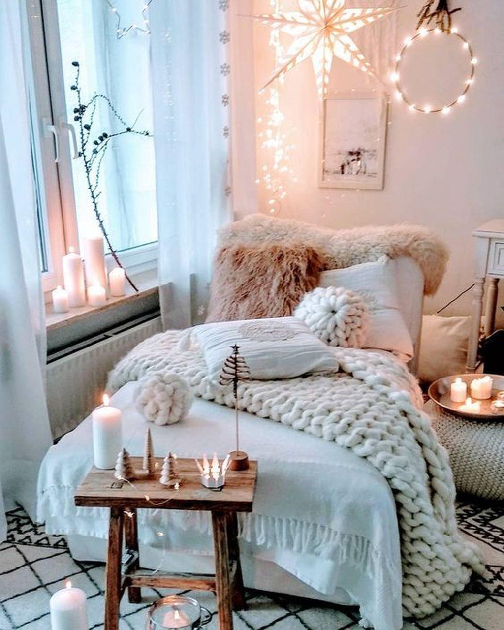 Stunning Bedding Ideas For Cozy Bedroom 27