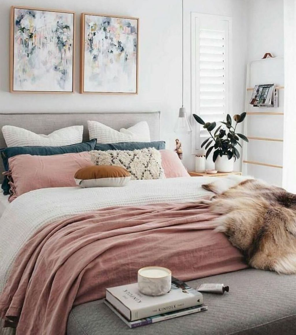 Stunning Bedding Ideas For Cozy Bedroom 29