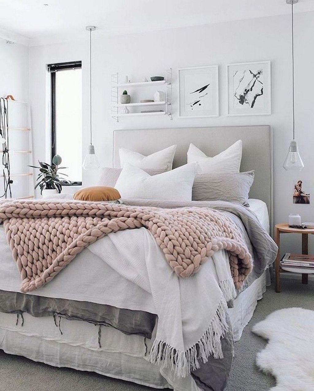 Stunning Bedding Ideas For Cozy Bedroom 30