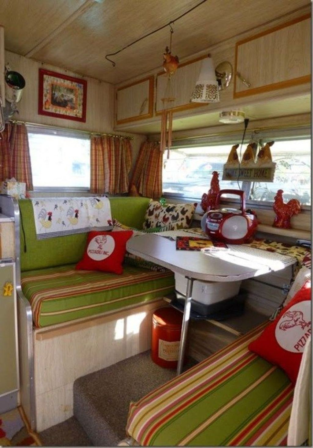Stunning RV Christmas Decorations Ideas 30